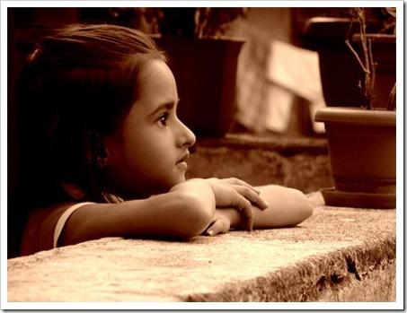 kid watching